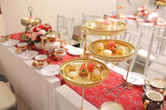 Tiệc trà đám cưới là bữa tiệc ngọt vui vẻ