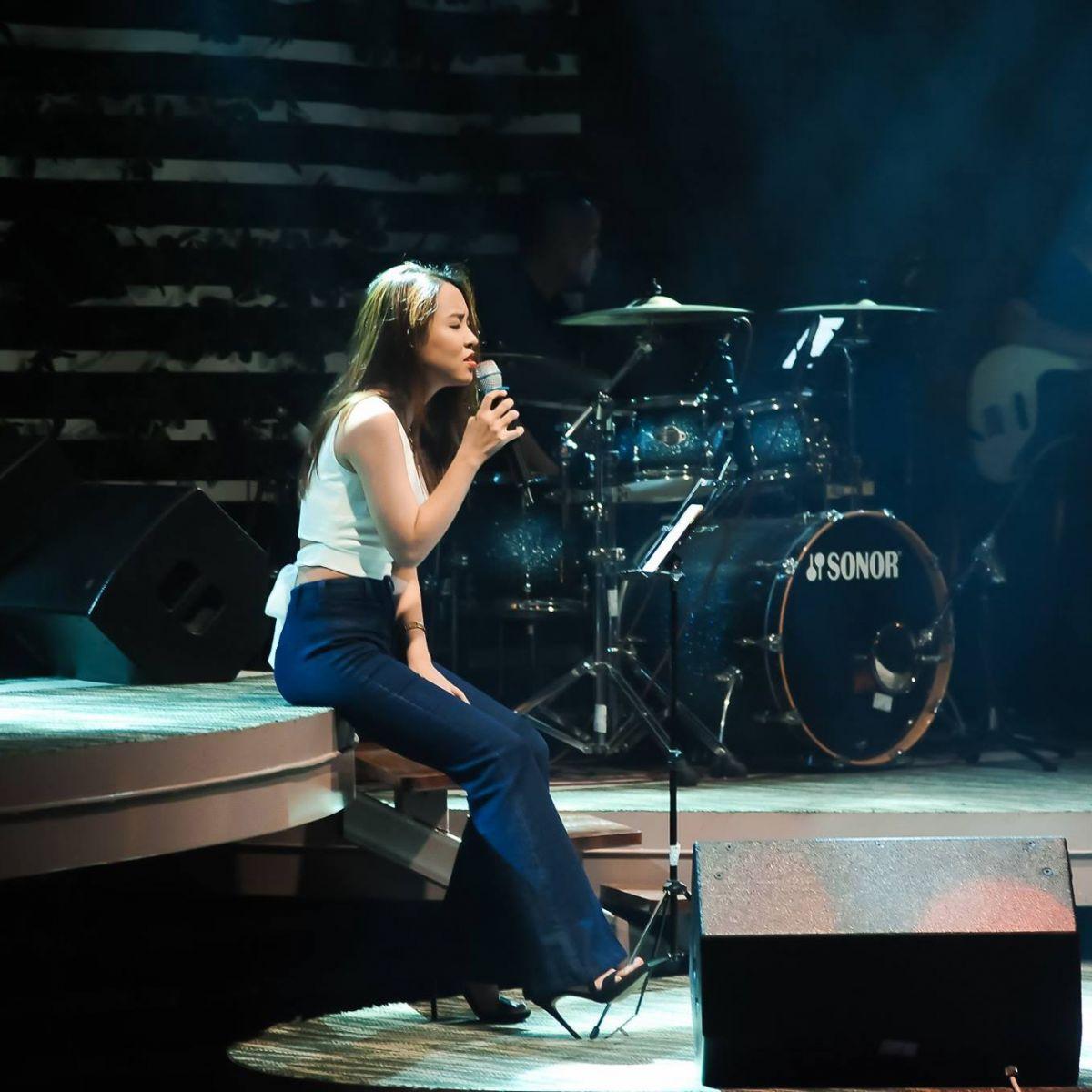 Thăng hoa cảm xúc trong đêm nhạc hit ballad của Trixie cafe