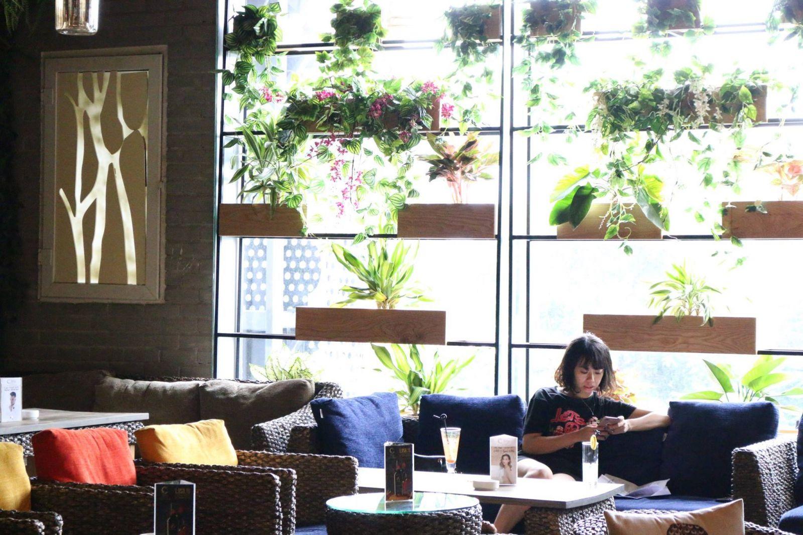Tận hưởng những giây phút bình yên tại Trixie Cafe