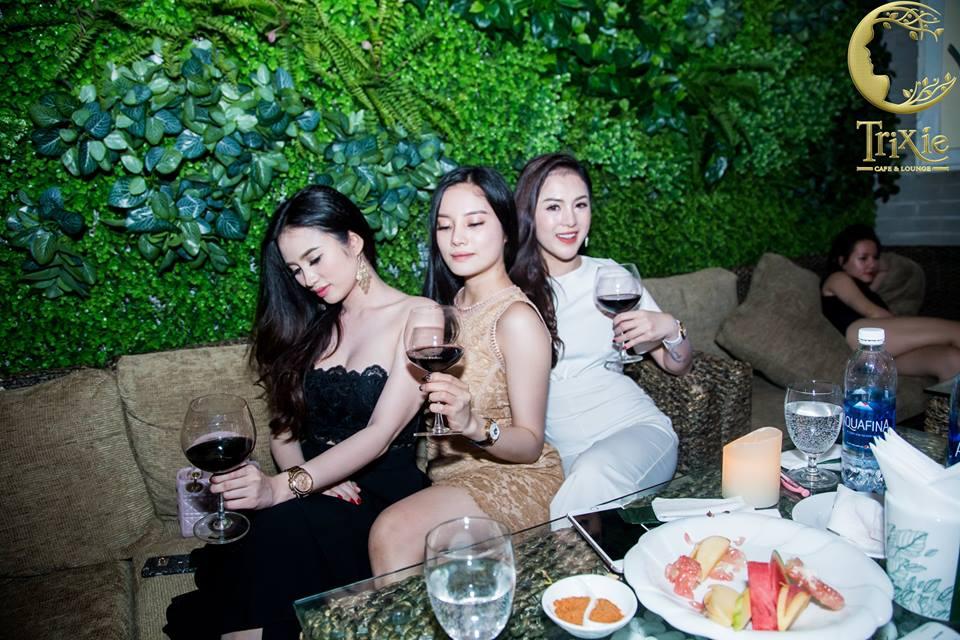 Quán cafe hội tụ nhiều trai xinh gái đẹp nhất Hà Thành