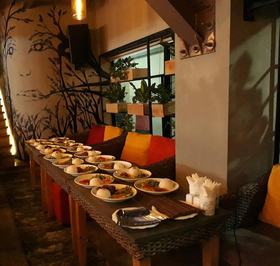 Tiếp nối hành trình chuyến du ngoạn ẩm thực tại Trixie cafe 165 Thái Hà
