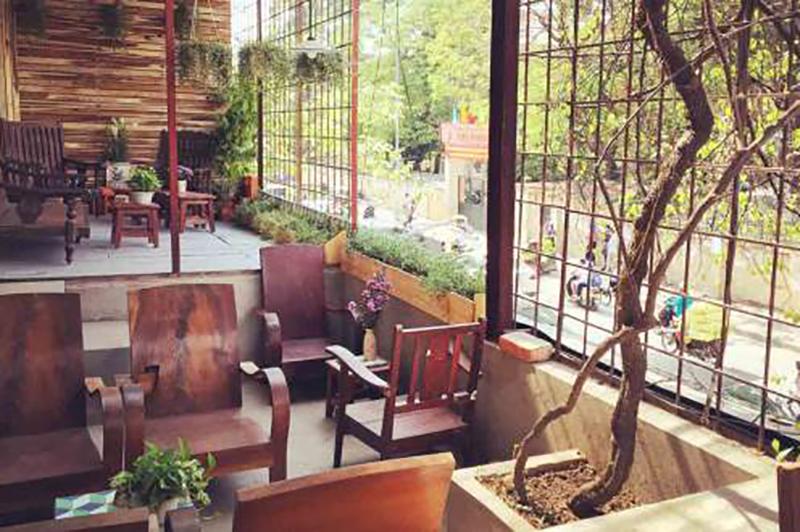 Quán cafe yên tĩnh dành cho dân văn phòng tại Hà Nội 1