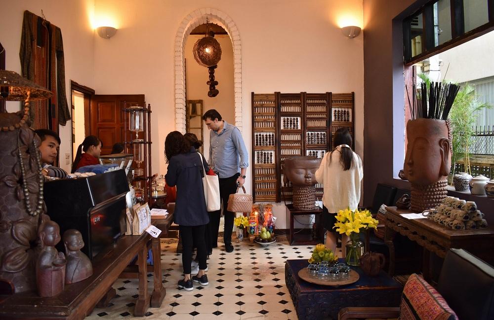 Quán cafe sang trọng ở Hà Nội Maison de Tet Decor