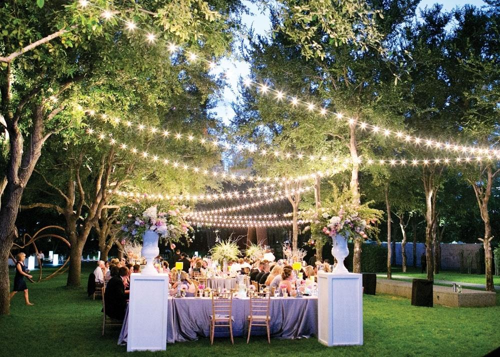 Kinh nghiệm đặt tiệc cưới giá rẻ tại Hà Nội