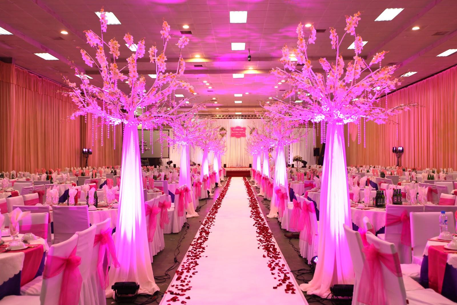Tổ chức tiệc đám cưới trọn gói tại Hà Nội