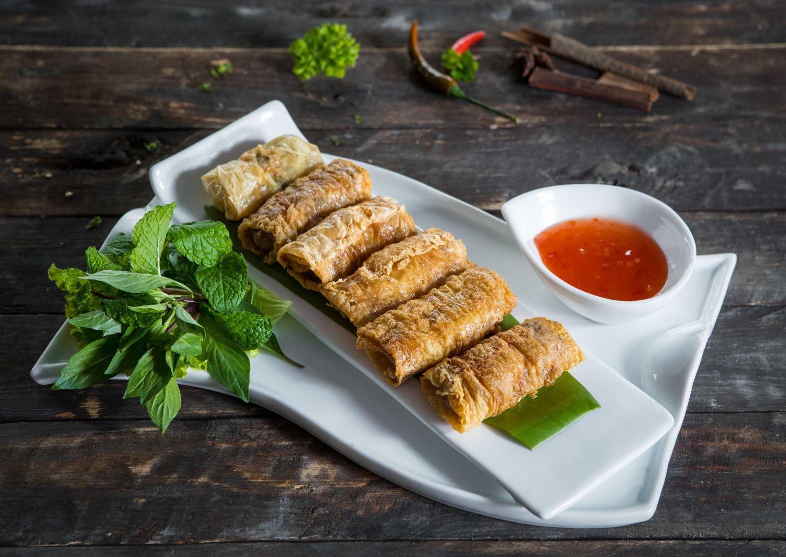 Ván đậu Hong Kong cuốn tôm thịt