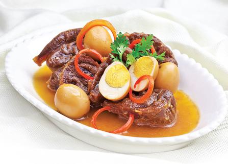 Cơm Thịt Kho Hột Vịt