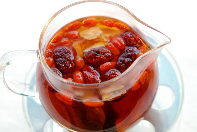 Set trà long nhãn táo đỏ ( 2 khách )